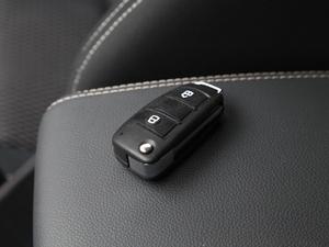 2018款3.0T 四驱 手动劲擎版 5座 钥匙