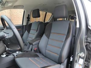 2018款1.9T 四驱 自动X-POWER版 7座 前排座椅