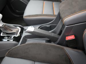 2018款1.9T 四驱 自动X-POWER版 7座 驻车制动器