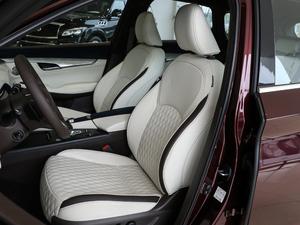 2018款2.0T 四驱豪华版 前排座椅
