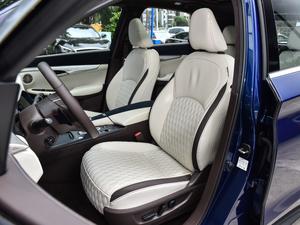 2018款2.0T 四驱旗舰版 前排座椅