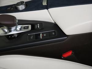 2018款2.0T 四驱旗舰版 驻车制动器