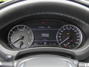 2018款2.0T 四驱菁英版 仪表