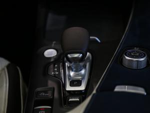 2018款2.0T 四驱豪华版 中控区