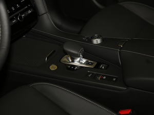 2018款2.0T 四驱菁英版 变速挡杆