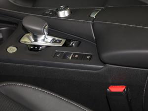2018款2.0T 四驱菁英版 驻车制动器