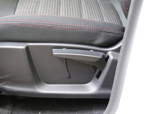 2018款1.6L CVT智享版 座椅调节
