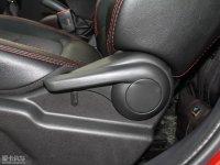 空间座椅凯翼C3R座椅调节