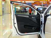 空间座椅iEV230驾驶位车门