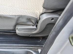 2014款1.2L 舒适型 座椅调节