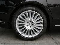 细节外观迈巴赫S级轮胎