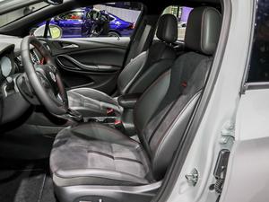 2019款两厢GS 20T 双离合豪华型 前排座椅