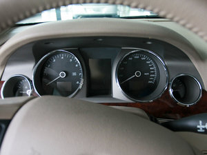 2010款3.0L 豪华版 仪表