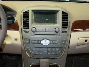 2010款3.0L 豪华版 中控台
