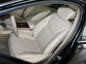 2010款3.0L 豪华版 前排座椅