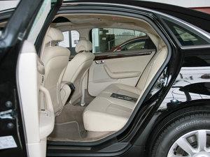 2010款3.0L 豪华版 后排空间