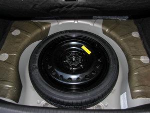 2015款1.6T 精英技术型 备胎
