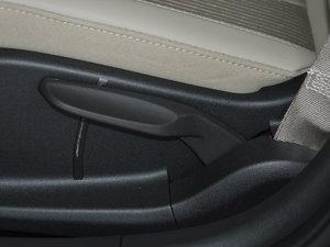 2017款15N 自动精英型 座椅调节