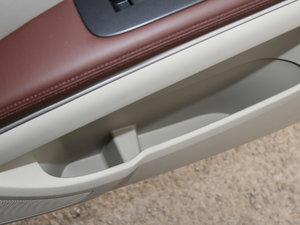 2017款25S 舒适型 车门储物空间