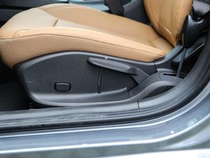 2018款18T 自动旗舰型 座椅调节