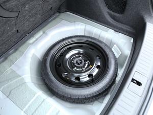 2018款18T 自动旗舰型 备胎