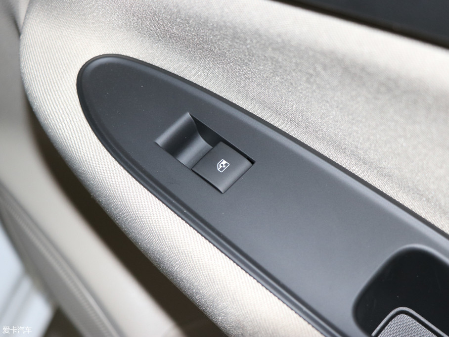 爱卡首页 汽车图片 别克 威朗 2018款三厢 15s 自动进取型  2018款
