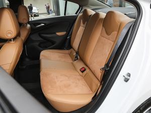 2018款15N CVT豪华型 后排座椅