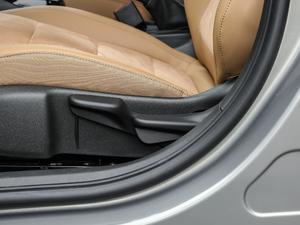 2018款15N CVT豪华型 座椅调节