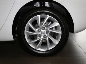 2018款两厢 15S 自动领先型 轮胎