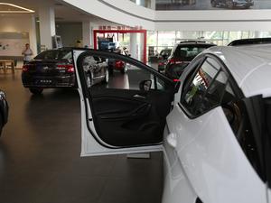 2018款两厢 15S 自动领先型 驾驶位车门