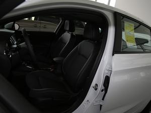 2018款两厢 15S 自动领先型 前排座椅