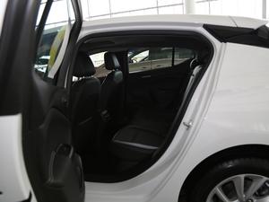 2018款两厢 15S 自动领先型 后排空间