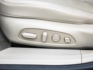 2018款28T Avenir 座椅调节