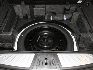 2018款28T 四驱精英型 备胎