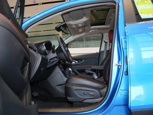 2018款18T 自动四驱全能旗舰型 前排空间