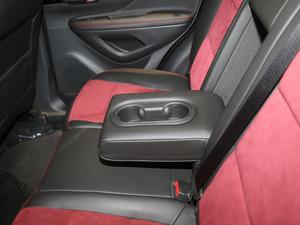 2018款18T 自动四驱全能旗舰型 后排中央扶手