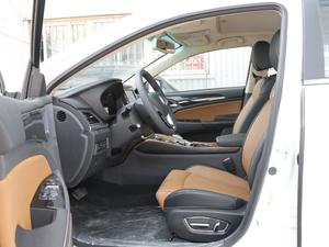 2018款EV450 智联锋尚型 前排空间