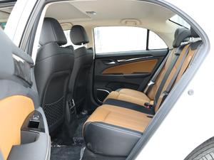 2018款EV450 智联锋尚型 后排空间