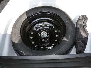 2018款1.5L 手动经典型 备胎
