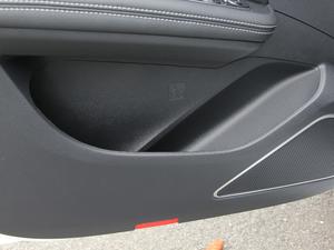 2018款1.5TI 自动智联尊享型 6座 车门储物空间