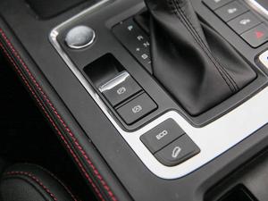 2018款高配型 驻车制动器