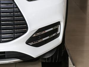 2019款EV 500 智联领耀型 雾灯