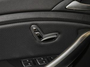2019款EV 500 智联领耀型 座椅调节