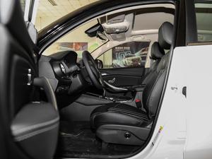 2019款EV 500 智联领耀型 前排空间