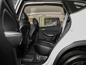 2019款EV 500 智联领耀型 后排空间