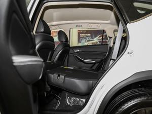 2019款EV 500 智联领耀型 后排座椅放倒