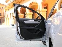 空间座椅秦Pro驾驶位车门