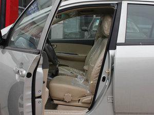 2011款1.5L 手动尚雅版 前排空间