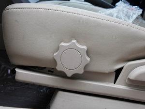 2011款1.5L 手动尚雅版 座椅调节