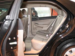 2011款黄金版 1.8L 手动豪华型 后排空间